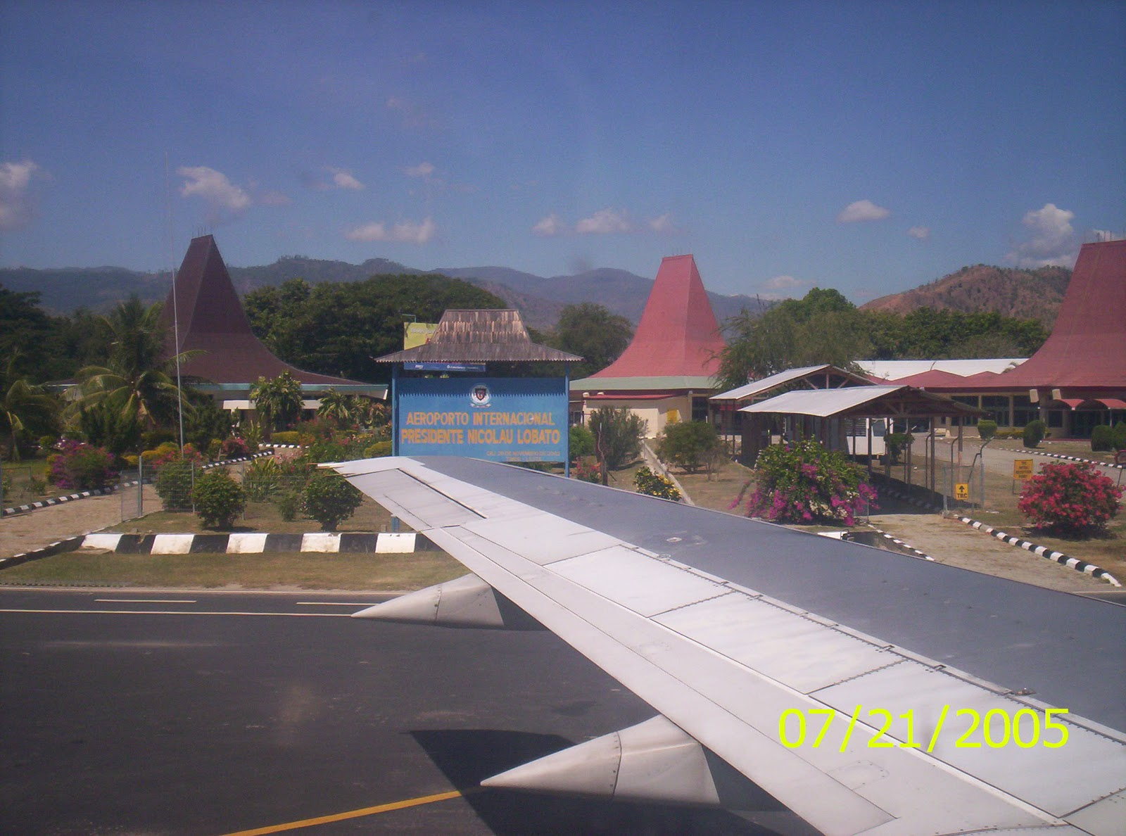 Aeroporto Dili : East timor law and justice bulletin: democratic party and fretilin