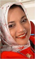 Tulisan Marissa Haque untuk Para Pesohor di Ranah Politik (2004)