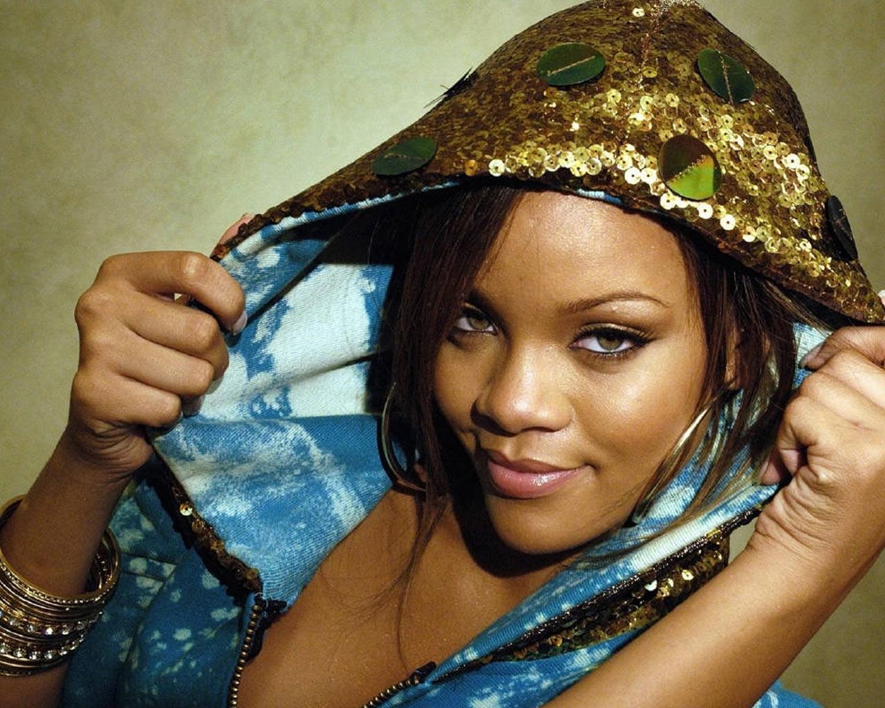 Celebrity Fake Nude Rihanna