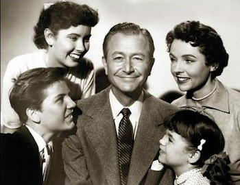 "Everyone, on screen or off, looked to Robert Young's ""Jim Anderson"" for ""answers."""