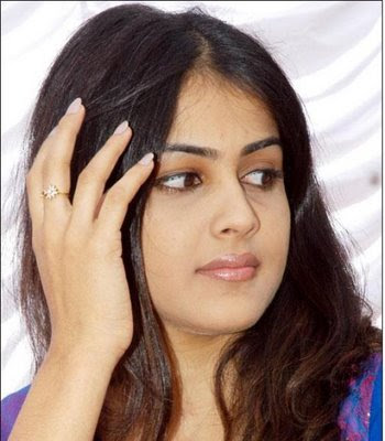 Cadbury Perk girl Genelia D'Souza is in Ken Ghosh's Yahoo replacing Jiah