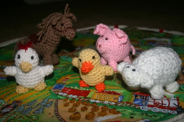 Free Crochet Pattern Farm Animals : Fabric Playmat with Crocheted Farm Animals - Blessings ...