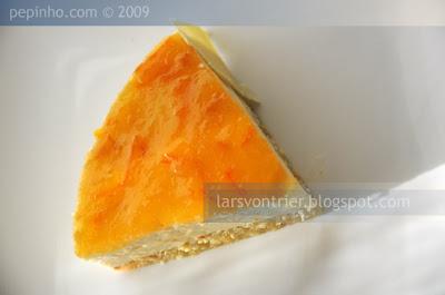 Tarta de mousse de queso y naranja amarga