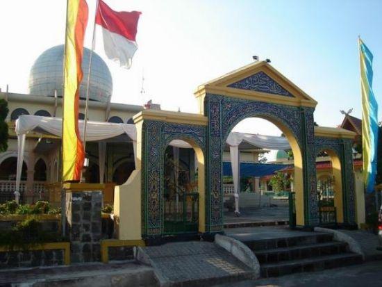 Masjid Raya Pekenbaru Tampak Depan