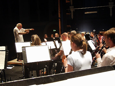 robert roscoe conducting beenham band at newbury corn exchange