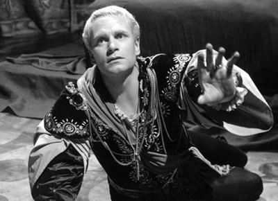 hamlet obstacles Hamlet and his delay in seeking revenge against claudius essay hamlet and his delay in seeking revenge soon after that he has to confront multiple obstacles.