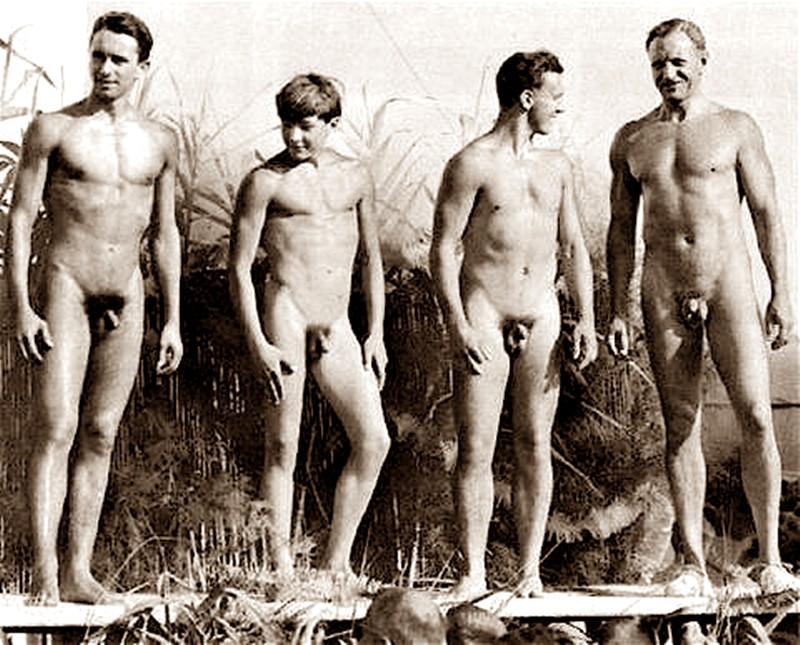 голые парни ретро фото