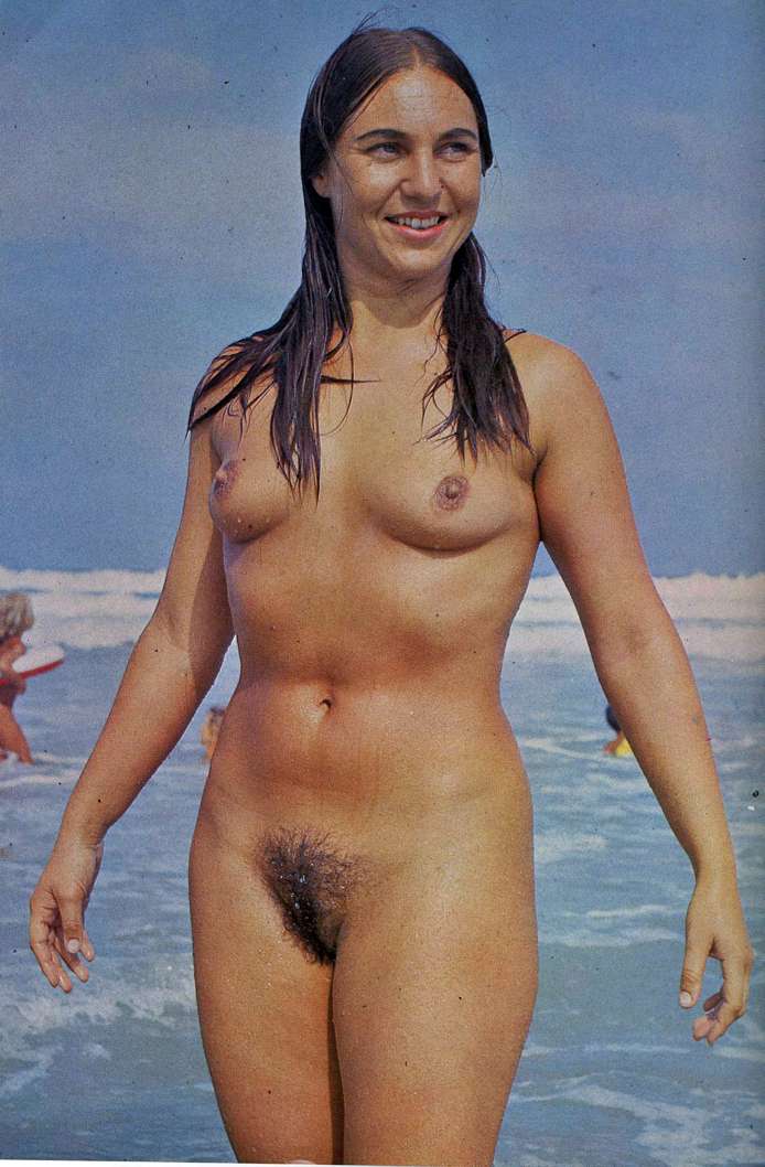 female nudist