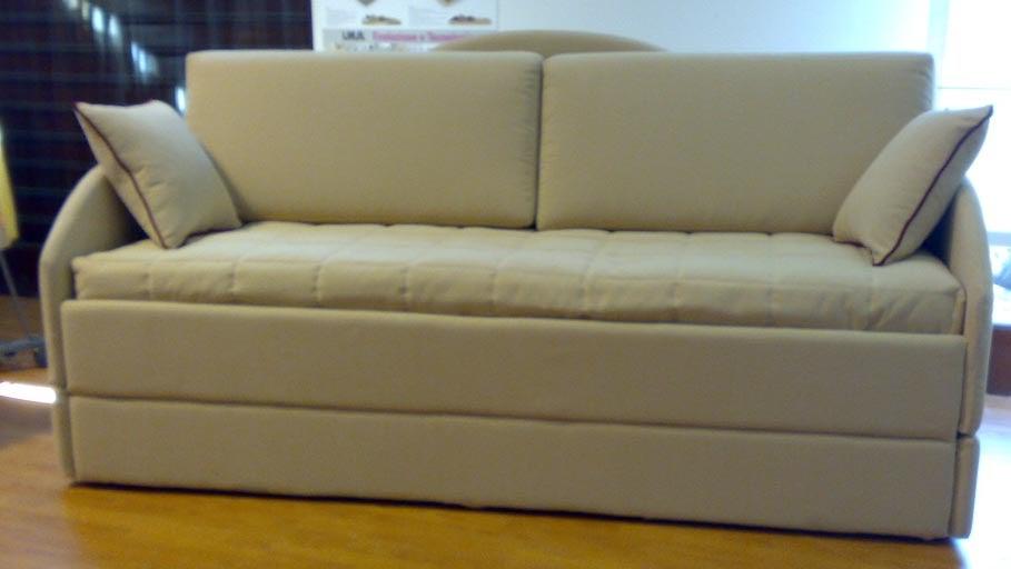 Divani su misura e su disegno impossible is nothing - Materassi per divano letto su misura ...