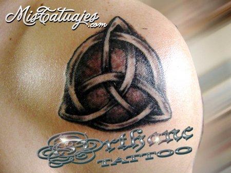 diseno tatuaje budistas. Aca les dejo la muestra de tatuajes celtas, es uno pero voy a volver a subir