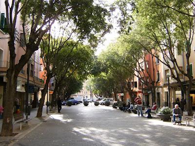 El barrio de Bons Aires contra la peatonalización total de Blanquerna.