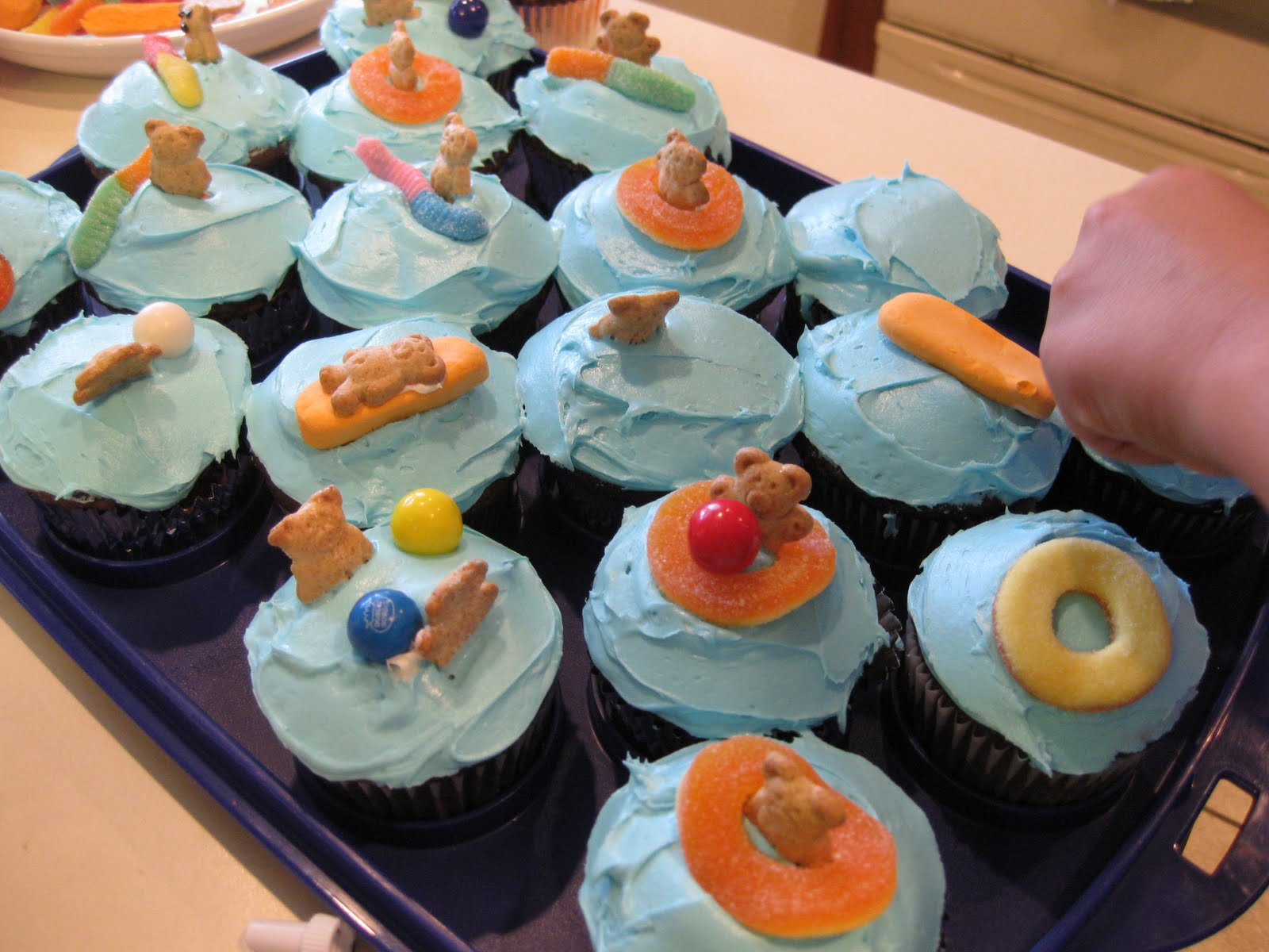 perfectly perfect pool party cupcakes - teach mama