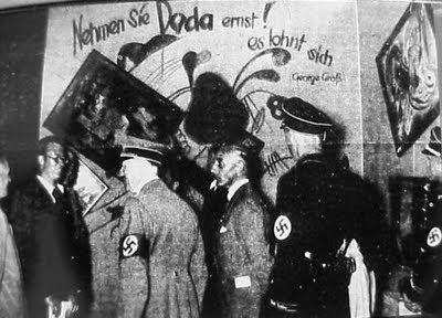 """Adolfo Hitler na """"Arte Degenerada"""""""
