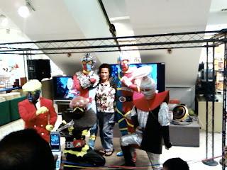 Kikaida, Hakkaida, Kikaida 01, Robotto Keiji, Waruda?? group photo.
