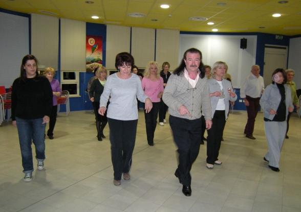 Corso di balli di gruppo e liscio