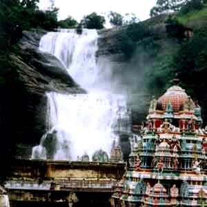 kurtallam falls