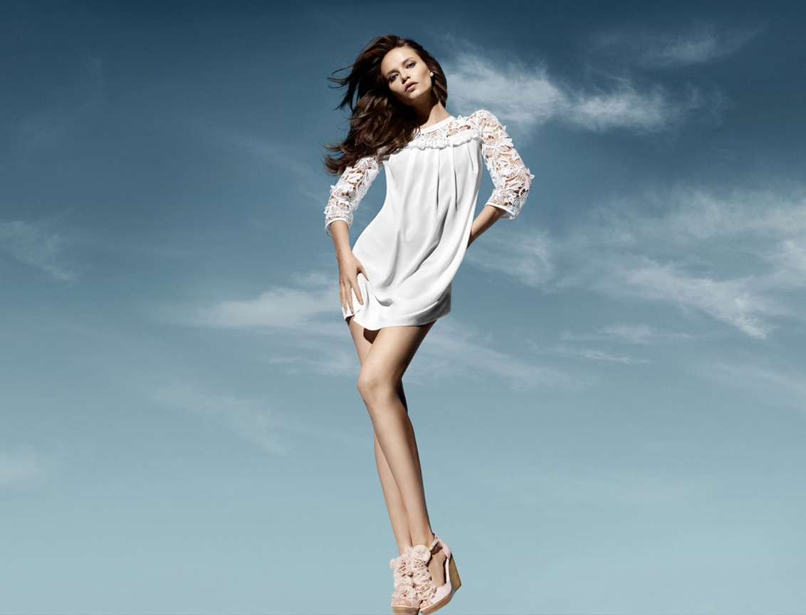 Au o Uo Hairstyle: Natasha Poly (H&M Spring 2011)
