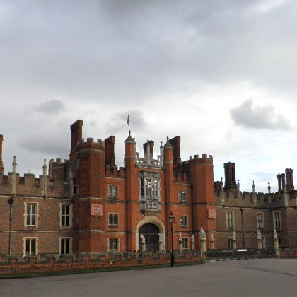 the great gatehouse at Hampton Court Palace