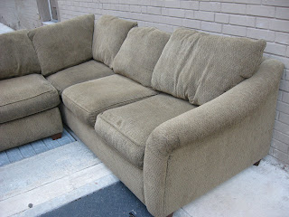 Lovely Olive Sectional Bauhaus Sofa In Good Condition. $325