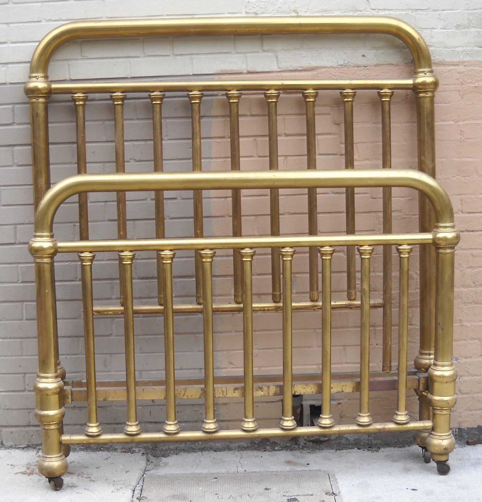 uhuru furniture collectibles lisa 39 s pick antique brass bedframe full size sold. Black Bedroom Furniture Sets. Home Design Ideas