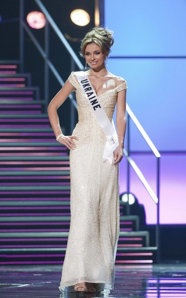 Sizzling Convention Miss Universe 2010 Evening Gowns For Beauty