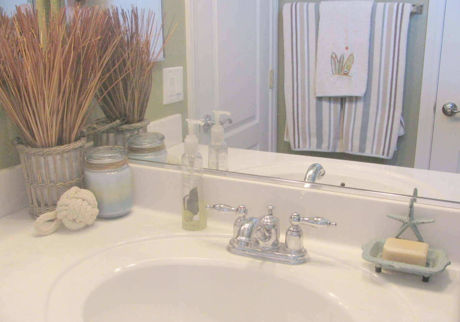 Fern Creek Cottage: My Boys Beach Bathroom