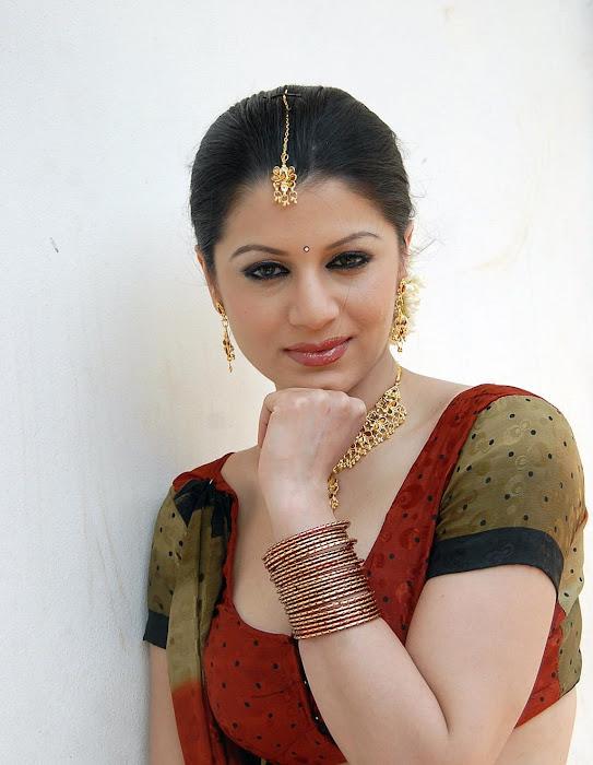 charu arora actress pics