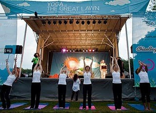 World's Largest Yoga Class in usa photo, Guinness World Records 2010, Standard Hotels and Jetblue, largest yoga event video