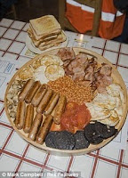 World's Biggest English Breakfast photo, New Guinness World Records 2011, latest Guinness Records 2011, Current World Records 2011, Funny ginis records 2011, Recent guinis world record 2011, 2011 Guinness world records