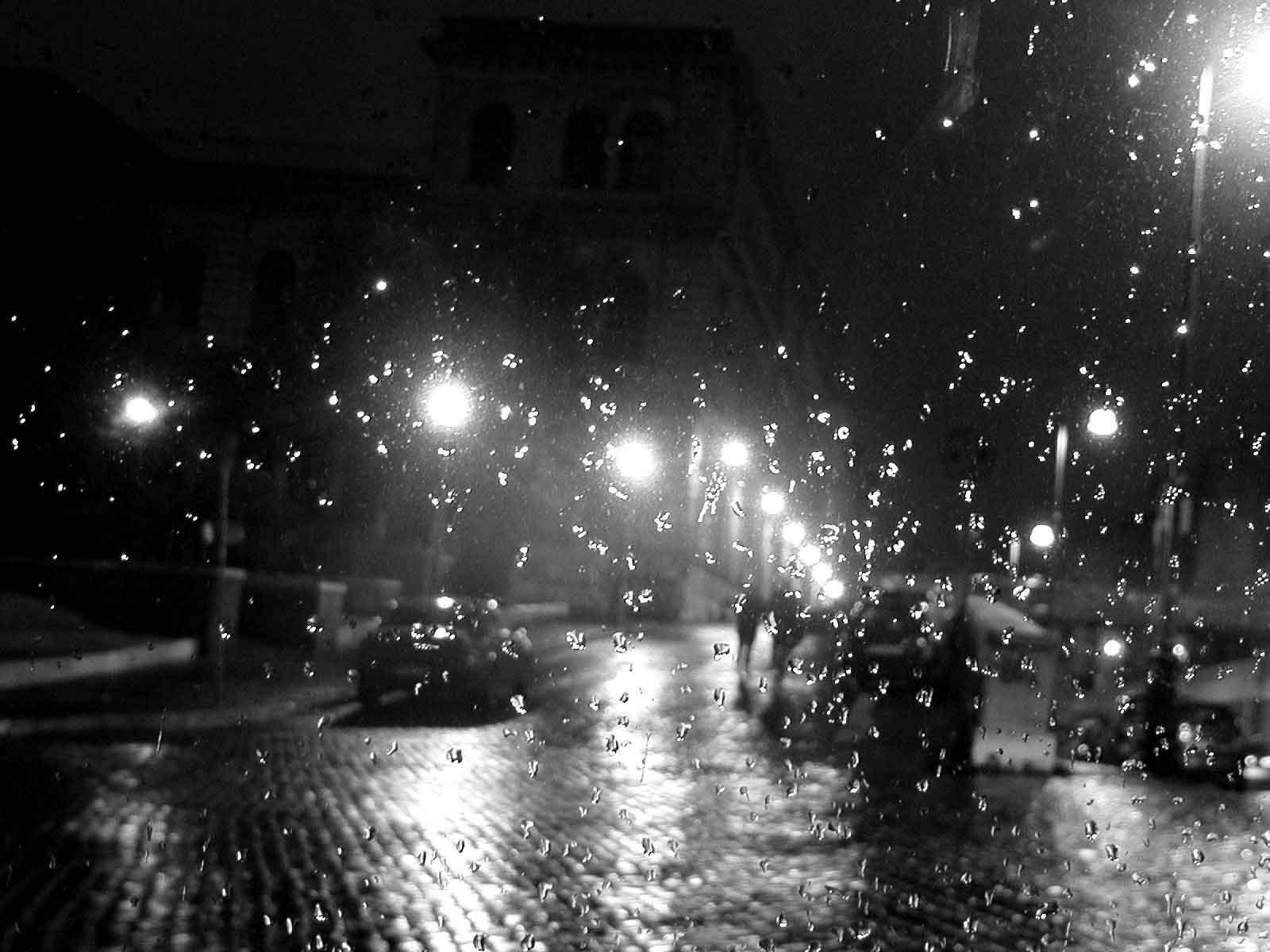 http://4.bp.blogspot.com/_kFgIjPvu35M/TNaD6OxEBII/AAAAAAAAAAg/gO5gJv5wsYw/s1600/pioggia-notte.jpg