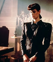 Sean Young never looked so good!