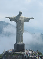 the immense statue of Rio Cristo Redentor