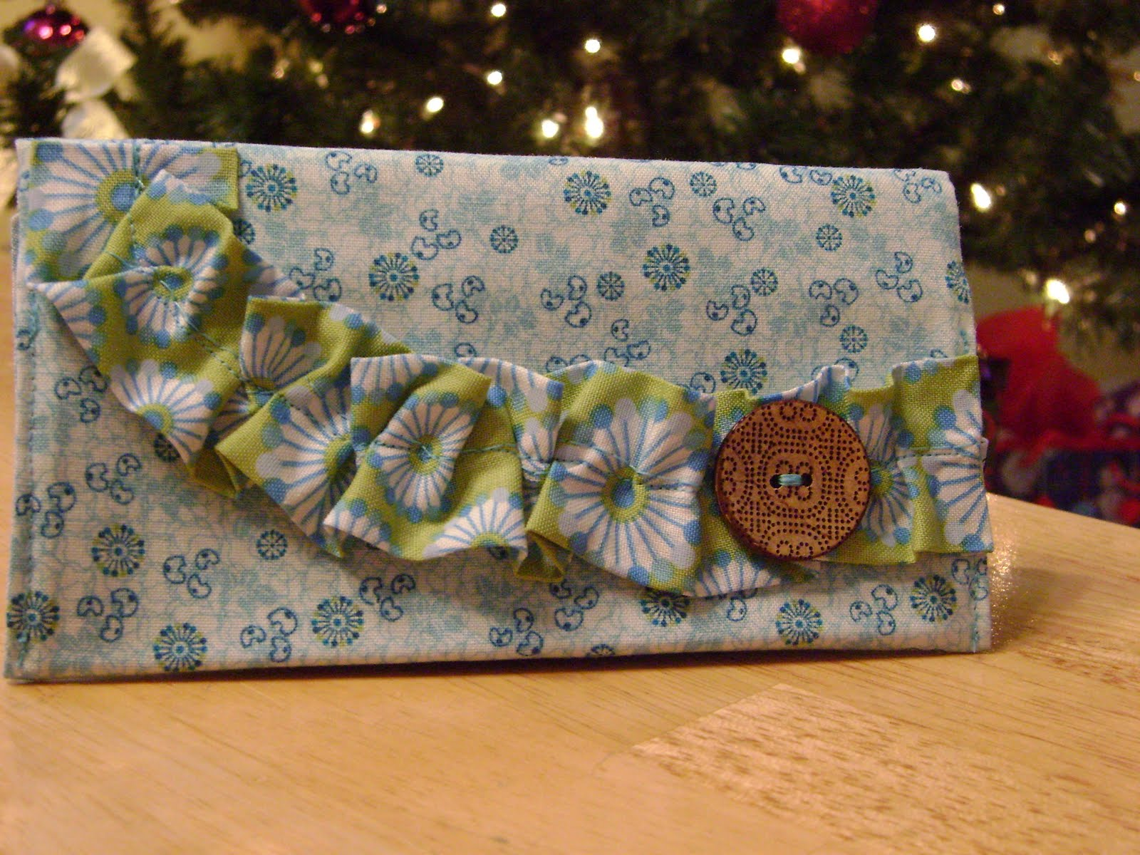 Pretty Checkbook Cover ~ Something pretty hand crafted christmas checkbook covers