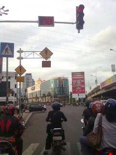 Image0388 Inilah Rekor Lampu Merah Terlama Se Indonesia!