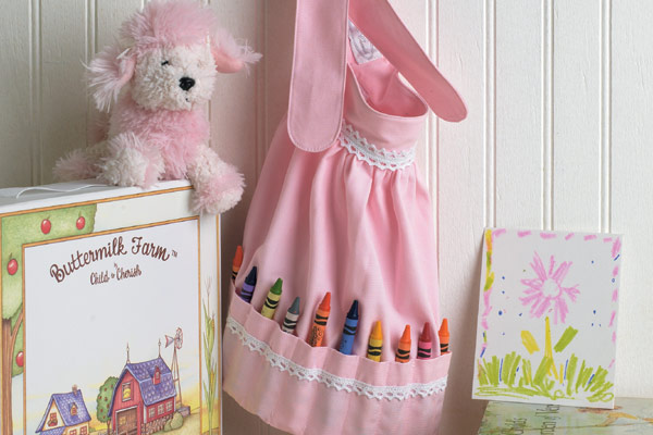 I love crayon aprons....I'm going to try my hand at these soon!