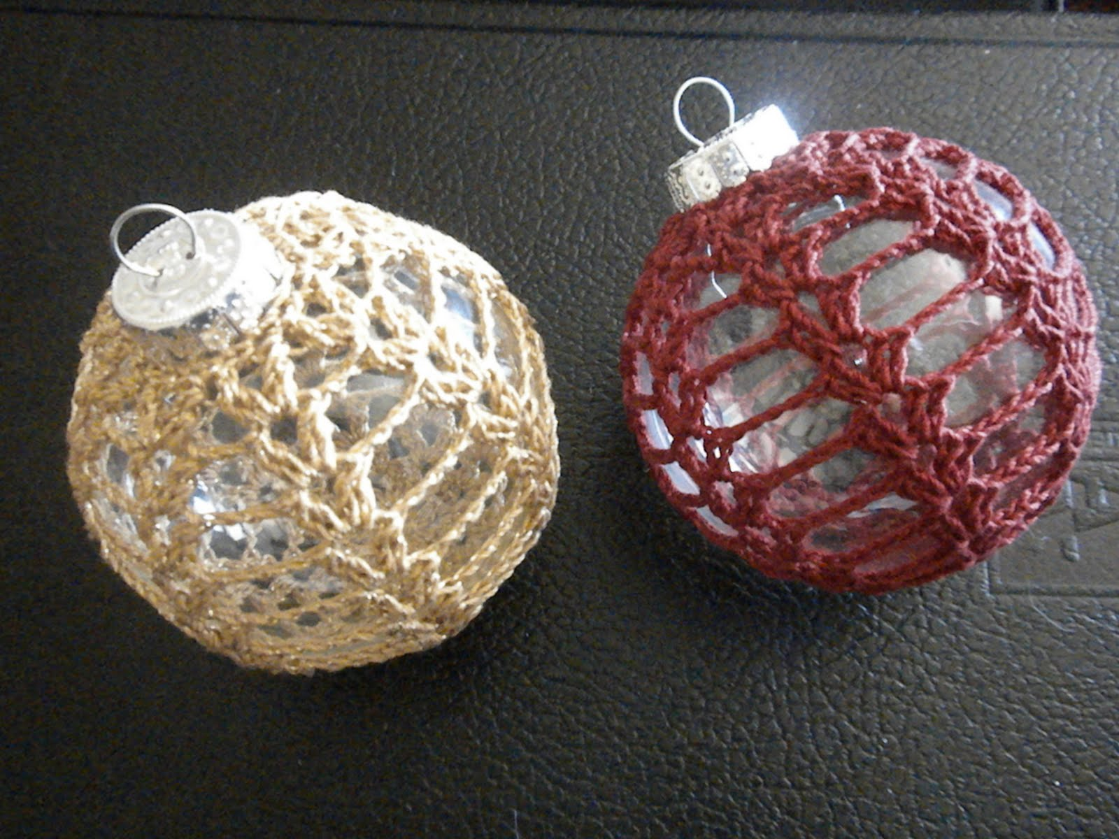 Free Crochet Patterns For Christmas Ball Covers : Smiles: Crochet Christmas Ornament