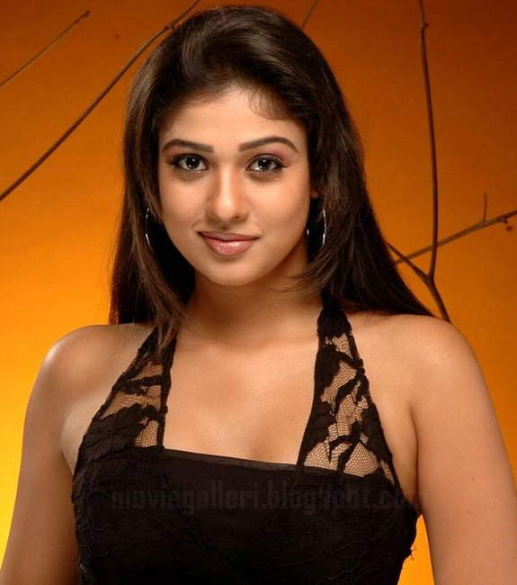 [nayanthara-latest-hot-pics-10.jpg]