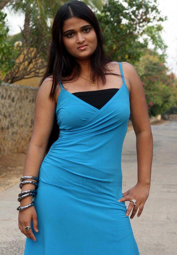 [Actress-Asmitha-Stills-photos-04.jpg]