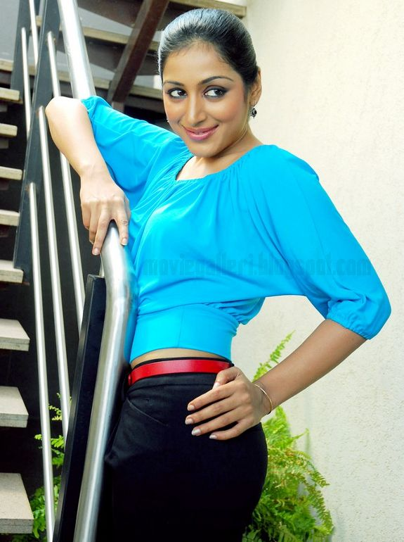 [Padmapriya-Latest-hot-pics-photos-stills-pictures-08.jpg]