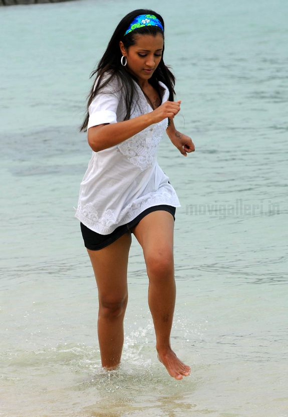 [trisha-hot-swimsuit-thigh-pics-photos-stills-02.jpg]