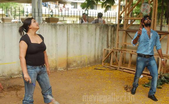 http://4.bp.blogspot.com/_kLvzpyZm7zM/S72hM2j1e1I/AAAAAAAAJHc/BYZi46fI5kg/s1600/tamil_actress_sona_heiden_hot_photos_pictures_04.jpg