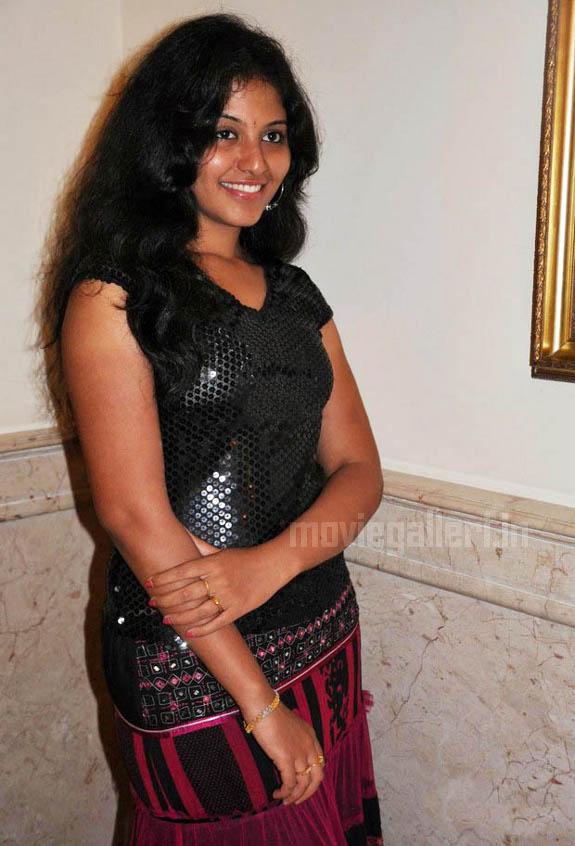 http://4.bp.blogspot.com/_kLvzpyZm7zM/S9hNHoCnH0I/AAAAAAAAKvs/s8oGs9rvID0/s1600/tamil-actress-anjali-hot-stills-photos-pics-06.jpg