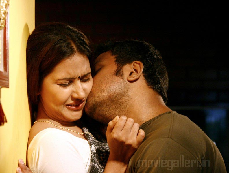 A movie scenes Shanthi Appuram Nithya 2011 Hot and Sexy Tamil movie scheduled to release Already some scene of the movie released on Youtube
