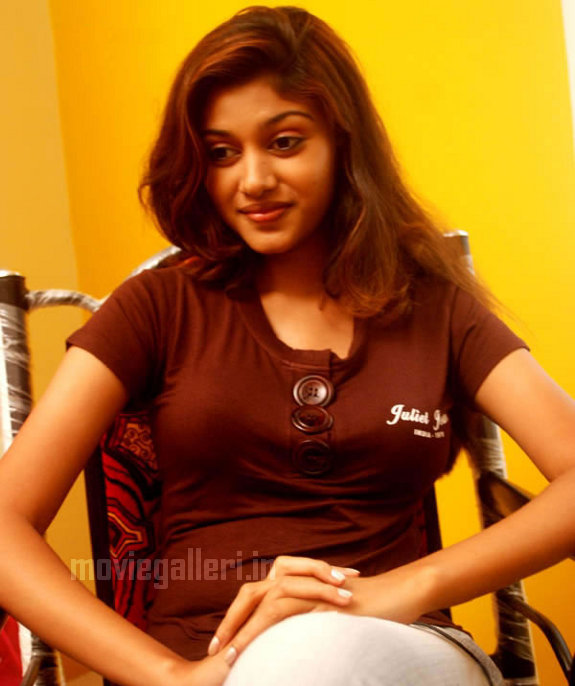 Tamil Actress Oviya Stills Kalavani Actress Oviya Photo Gallery