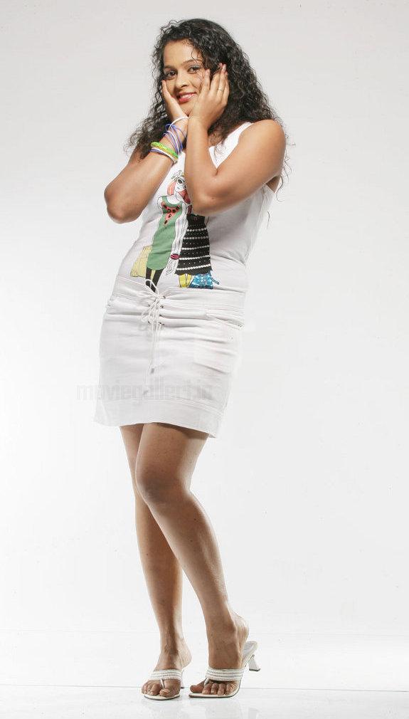http://4.bp.blogspot.com/_kLvzpyZm7zM/TE0ECDQMp6I/AAAAAAAATcA/VJL3NzhIgJ8/s1600/actress_sonia_deepti_photo_shoot_05.jpg