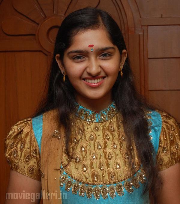 Malayalam Actress Gallery - HOT Malayalam Actress Pictures & Photos
