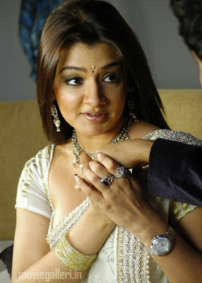 aarthi agarwal hot saree in brahmalokam to yamalokam