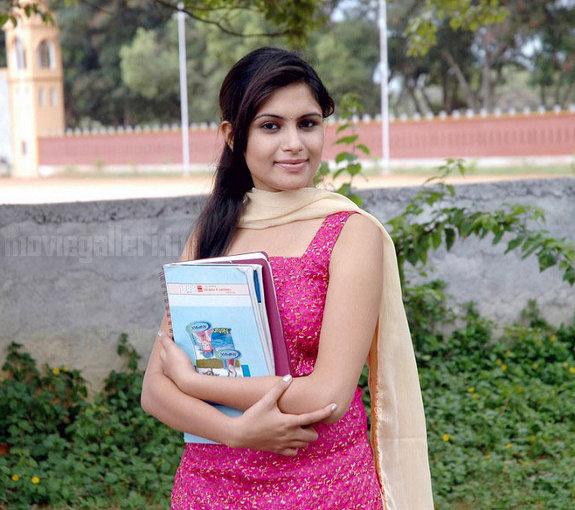 http://4.bp.blogspot.com/_kLvzpyZm7zM/TEfxOsXY6xI/AAAAAAAAS74/HNtBA2F8cBc/s1600/Actress_Sonu_Chandrapaul_Stills_08.jpg