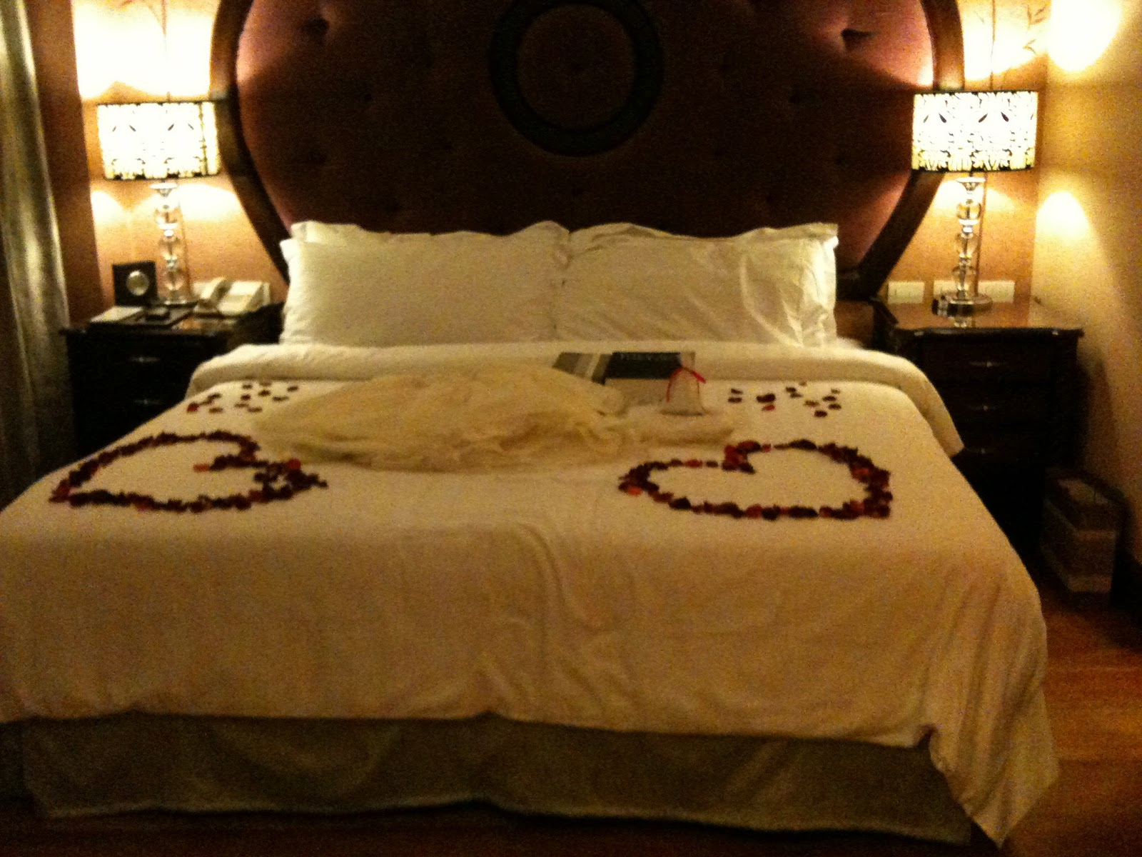 Fabulous Romantic Hotel Room Set Up Ideas 1600 x 1200 · 342 kB · jpeg