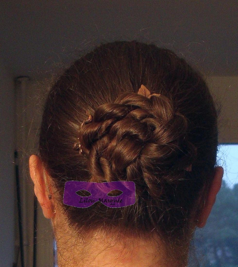1001 Coiffures Tuto Coiffure Chignon Fleur Rose Bun Illusion Des Cheveux Longs